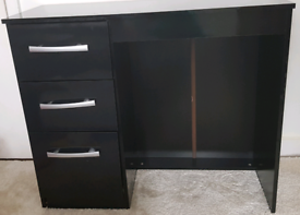 High Gloss 3 Drawer Dressing Table
