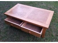 Solid Wooden coffee table with 2 large drawers oak x
