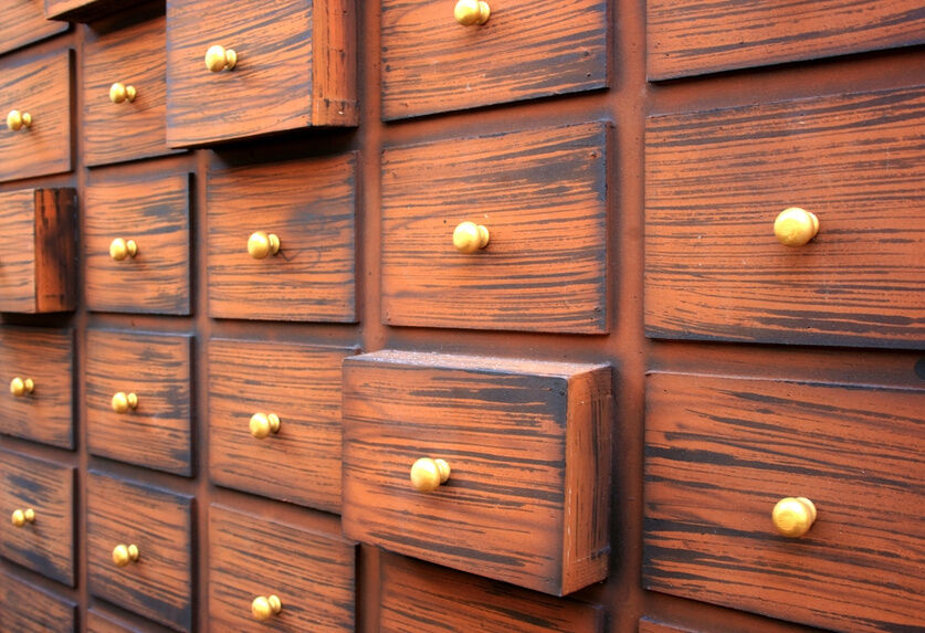 How to Buy Antique Apothecary Drawers