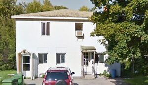 NEWLY RENOVATED SPLIT LEVEL!!!!!!! - Quiet next to the water!!! West Island Greater Montréal image 17