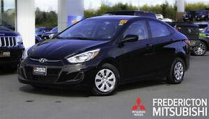 2016 Hyundai Accent GL! AUTO! HEATED SEATS! ONLY 28K!