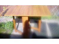 Retro/vintage gate leg kitchen table in exellant condition