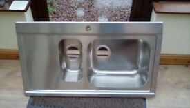 1 1\2 BOWEL STAINLESS STEEL KITCHEN SINK NEVER FITTED
