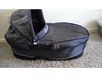 QUINNY CARRYCOT - GREAT CONDITION