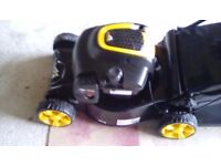 MCCULLOCH M40-125 PETROL LAWN MOWER - ONLY USED ONCE