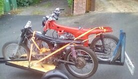Honda SS125a. Circa 1969, Rolling bike with engine Black bike in picture.no logbook. Offers.