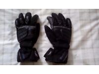 motorcycle gloves only used a little size m / medium. £10 ono