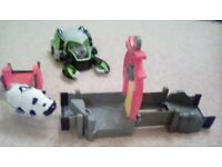 2 Kung Zhu hamsters, track and battle armour