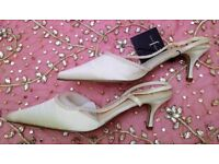 NEW JASPER CONRAN Designer Wedding Shoes Ivory Satin Bead Sling Back Kitten Heels Size 8 BRIDESMAID