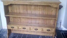 Beautiful oak dresser / shelving unit