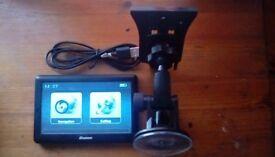Binatone U505 Sat Nav GPS with free lifetime maps
