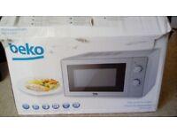 BEKO MOC201005 MICROWAVE OVEN - NEW IN BOX