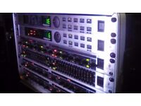 Effects rack with flight case