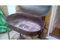 Large drum charcoal barbeque, with lid
