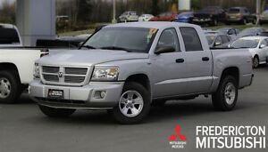 2011 Dodge Dakota SXT! V8! 4X4! CREW! LOADED!