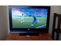 SONY Bravia 32' inch TV with Freeview. perfect condition. HDMI. Model KDL-32L4000