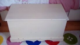 Blanket box solid wood (pine)