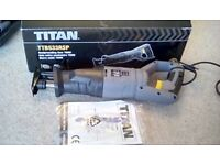 TITAN TTB533FSP RECIPROCATING 750 WATT SAW WITH NEW 10-PIECE BLADE PACK INCLUDED - NEW IN BOX