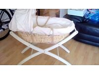 Moses basket and deluxe stand