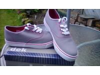 NEW DEK Deck shoes grey size 7