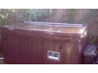 Hot Tub for Sale, Hull