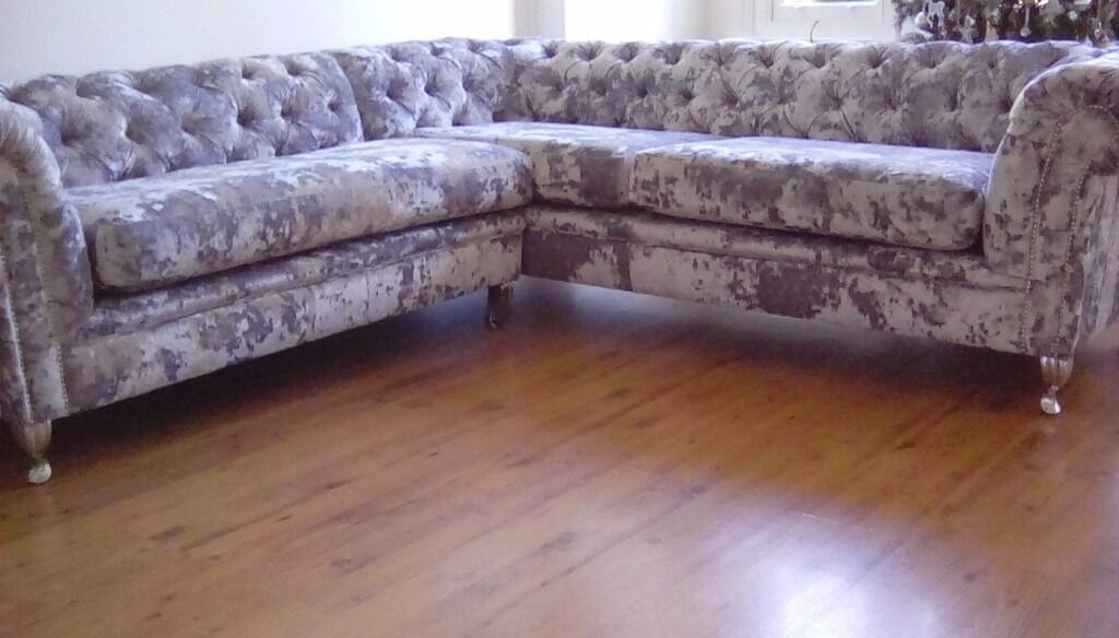 Silver crushed velvet L shape sofa chesterfield BRAND NEW with chrome feet in Notting Hill