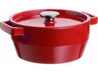 Pyrex Cast Iron Round Casserole Dish 24cm - Red.