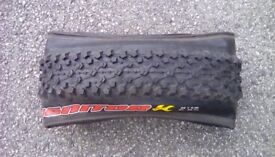 Maxxis Ignitor folding mountain bike tyre 26 by 2.35