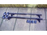 Lockable roof bars. For cars with roof rails only.