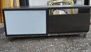 2 LOW SHELVING ENTERTAINMENT UNITS / BLACK / WHITE GLASS / HEAVY LOW / OAKVILLE 905 510-8720 EXCELLENT CONDITION SMOKE-F