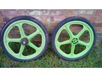 Green tuff 2 mag wheels