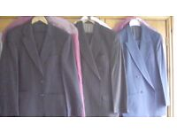 3 Mens wool suits 38R excellent quality