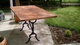 Beautiful Solid Oak Table 140cm 85cm
