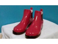 LADIES BRAND NEW RED ANKLE WELLIES
