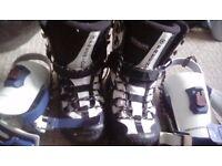 Snowboard boots & bindings