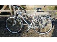 G I A N T hybrid CRS performance bike like new