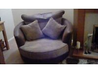 Spinning love chair. 2 seater. Only 9 months old. Vgc