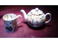 China teapot and mug
