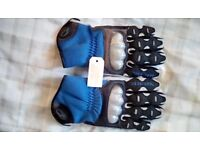 Motorcycle gloves new still in packet size xl