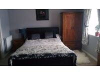 Bardzo fajny double bedroom z wlasna lazienka (140 £)