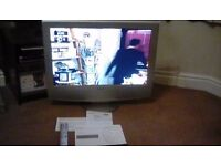 SONY WEGA LCD COLOUR TV SILVER 30 INCH SCREEN WITH REMOTE AND BOOKLETS