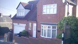 Detached House, 3double bedrooms, double garage.