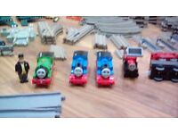 Trackmaster thomas the tank engine train set and tidmouth sheds and motorized trains