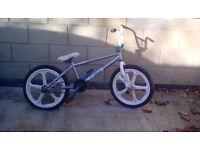Small White Bicycle - Stunt Bike