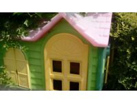 Garden play house, Country Cottage by Little Tikes