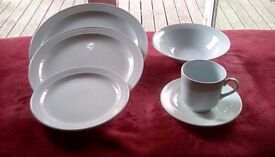 DINNER SERVICE BY BARRATS OF STAFFORDSHIRE ALPINE BLUE