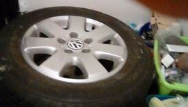 "Vw t5 genuine 16"" alloy wheels with tyres 215/65 r16c"