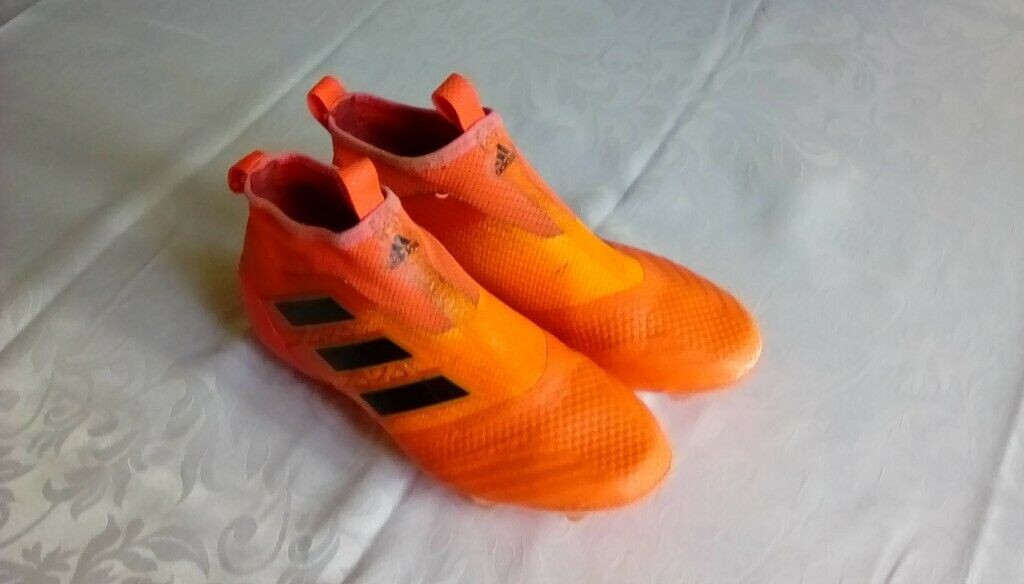 promo code 3bbdc 52ef7 Adidas pure control laceless football boots size 5 | in Woodville,  Derbyshire | Gumtree