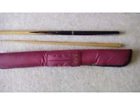 BCE CUSTOM 2-PIECE SNOOKER / POOL CUE IN CARRY CASE