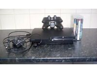 Playstation 3 slim 32 gig : 2 contrtolers 4 games + wires